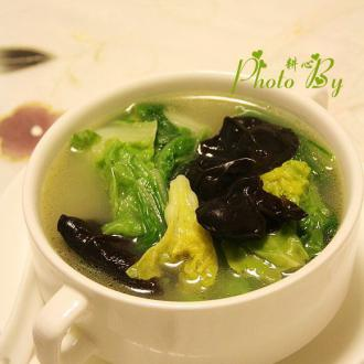 木耳白菜鱼汤