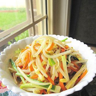 绿豆芽炒红萝卜丝