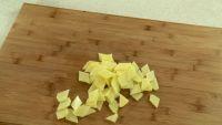 西红柿炒土豆片的做法步骤1