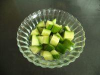 黄瓜梨子汁的做法步骤2