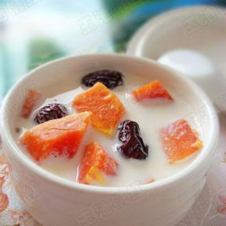 木瓜红枣米酒牛奶羹