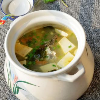 海带豆腐鱼头汤