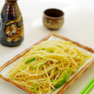 柿子椒炒土豆丝