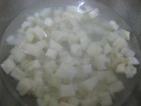 糖醋藕丁的做法步骤2