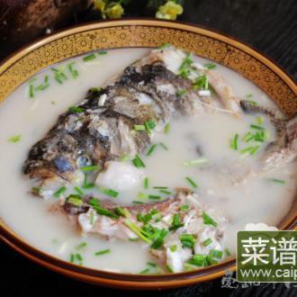 大锅炖鲢鱼