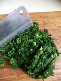 荠菜烫面小笼包的做法步骤2