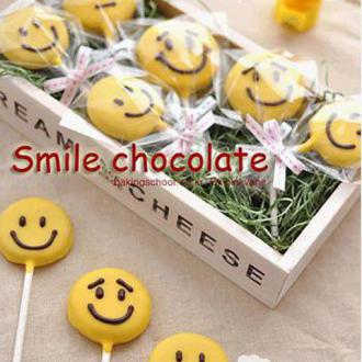 笑脸娃娃巧克力棒