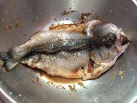 香酥烤鱼的做法步骤2