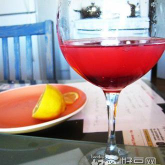 蔓越莓伏特加鸡尾酒