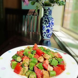 秋葵番茄炒鸡丁