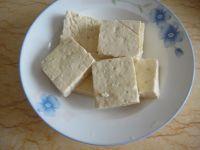 炸臭豆腐配自制蘸酱的做法步骤1
