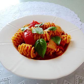 番茄洋葱煮意粉