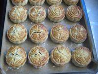 桂花红豆蓉月饼的做法步骤20