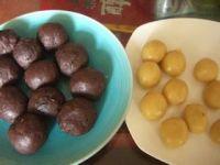 桂花红豆蓉月饼的做法步骤12