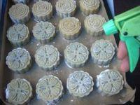 桂花红豆蓉月饼的做法步骤17