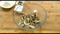 干炸蘑菇的做法步骤1