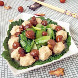 滑子菇小白菜炒丸子