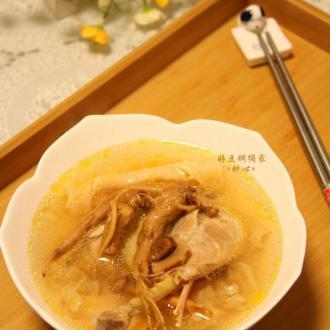 双参花胶鸡汤