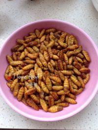 椒盐蚕蛹的做法步骤2