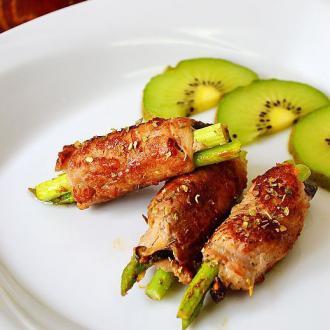芦笋香菇肉卷