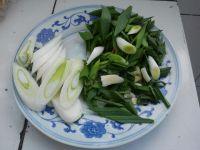 鸡蛋西红柿炒刀削面的做法步骤1