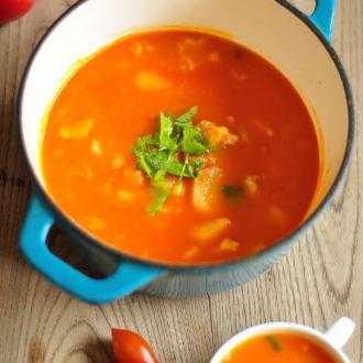 珐琅锅西红柿牛楠汤