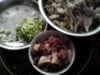 平菇盖浇饭的做法步骤2