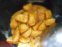 拔丝土豆的做法步骤7
