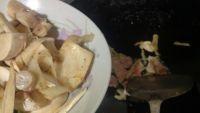 口蘑锅巴汤的做法步骤5