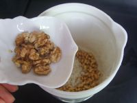 核桃燕麦米汁的做法步骤4