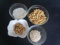 核桃燕麦米汁的做法步骤1