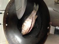 圣女果小番茄鱼汤的做法步骤3