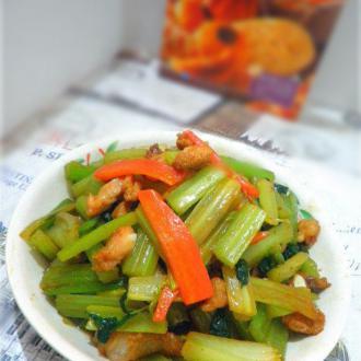 芹菜炒脆骨