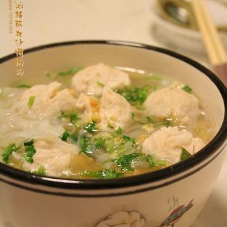 潮汕猪筋丸沙河粉汤