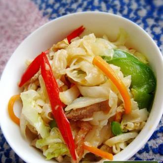 什锦蔬菜炒河粉