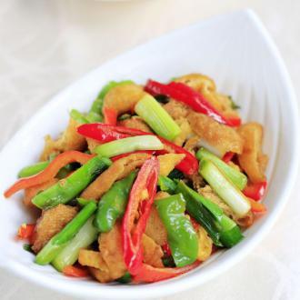 蒜苗炒油豆腐