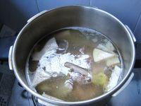 全番鸭槟榔芋汤的做法步骤5
