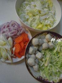 鱼丸大酱汤的做法步骤3