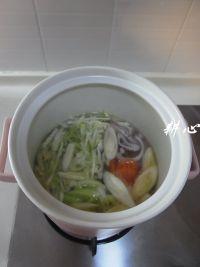鱼丸大酱汤的做法步骤4