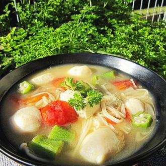 鱼丸豆腐味噌汤