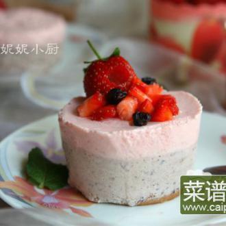 双莓慕斯流心蛋糕