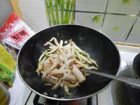 青椒炒素鸡翅的做法步骤5
