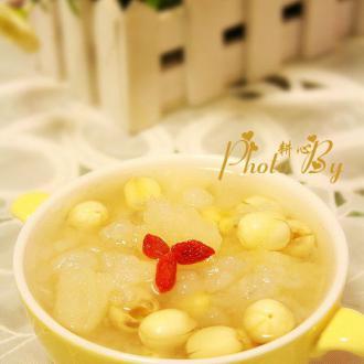 雪蛤莲子梨子糖水