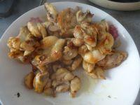 胡萝卜香菇煸鸡翅的做法步骤8