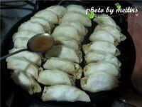 虾皮南瓜锅贴的做法步骤20