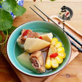 玉米鲍菇排骨汤