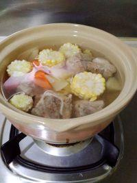 美味的朋友#红萝卜玉米雪莲果猪骨汤的做法步骤4