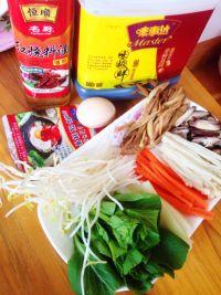 石锅拌饭#新鲜从这里开始#的做法步骤1