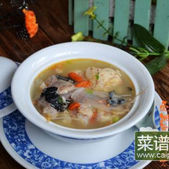 砂锅煲安康鱼汤