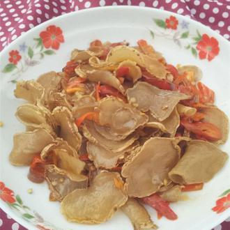 红椒炒干土豆片